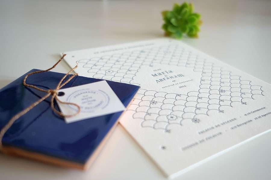 Una invitación letterpress para bodas.