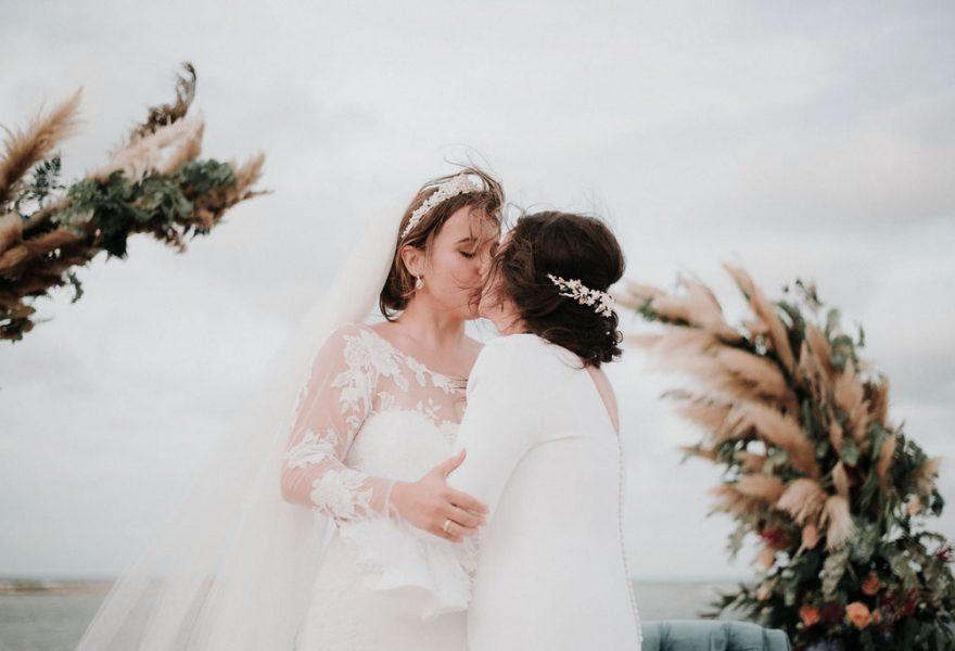 fotografo-de-bodas-sevilla-lele-pastor-boda-lgbt-en-collados-beach-150